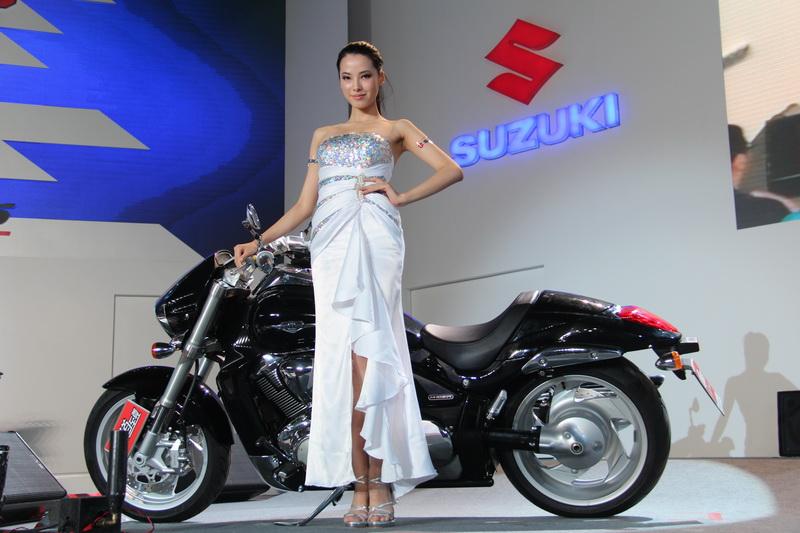 铃木2012年三款新车骏龙gs125r