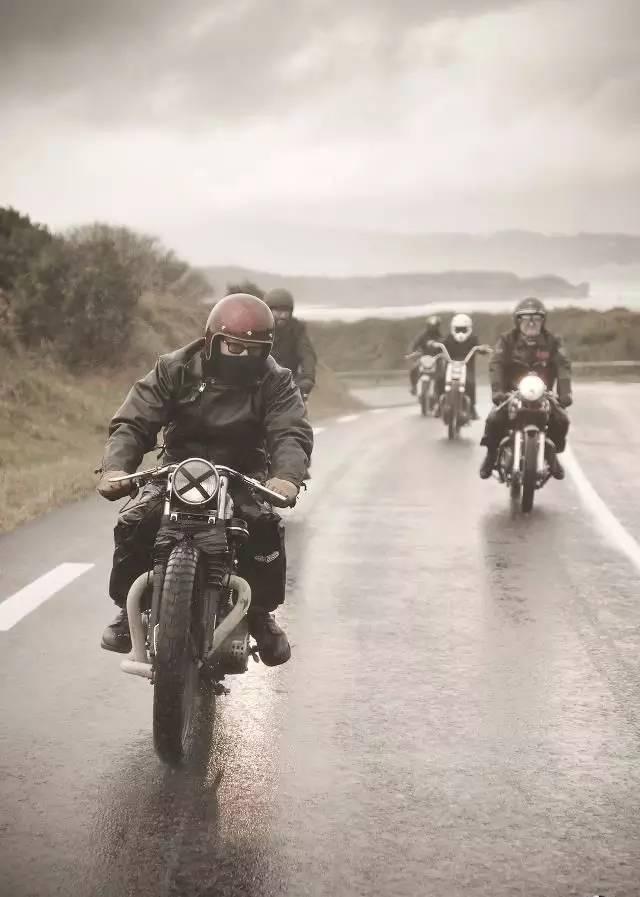 下雨了!我们该如何正确地和摩托车玩耍 - 中国