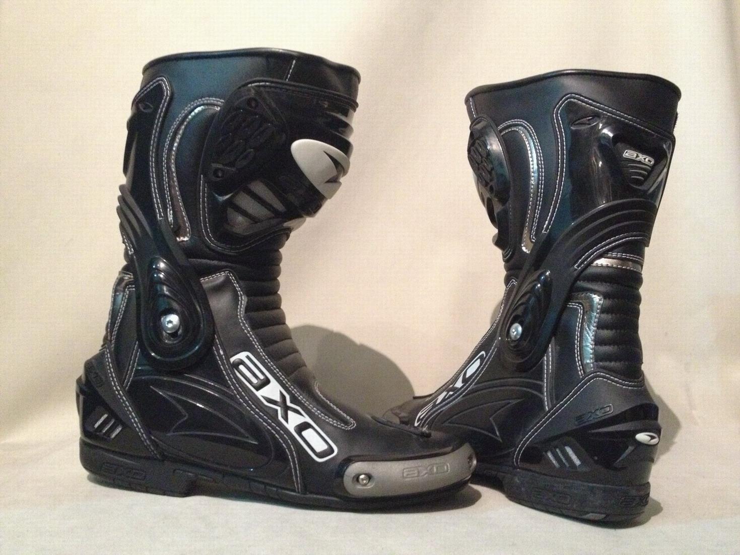 如何选购摩托车靴子 - 中国摩托迷网 - 摩托车网